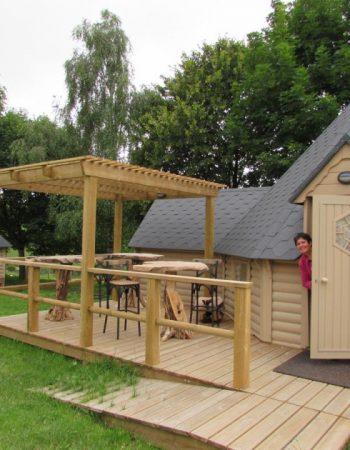 camping terrasse gite en bois